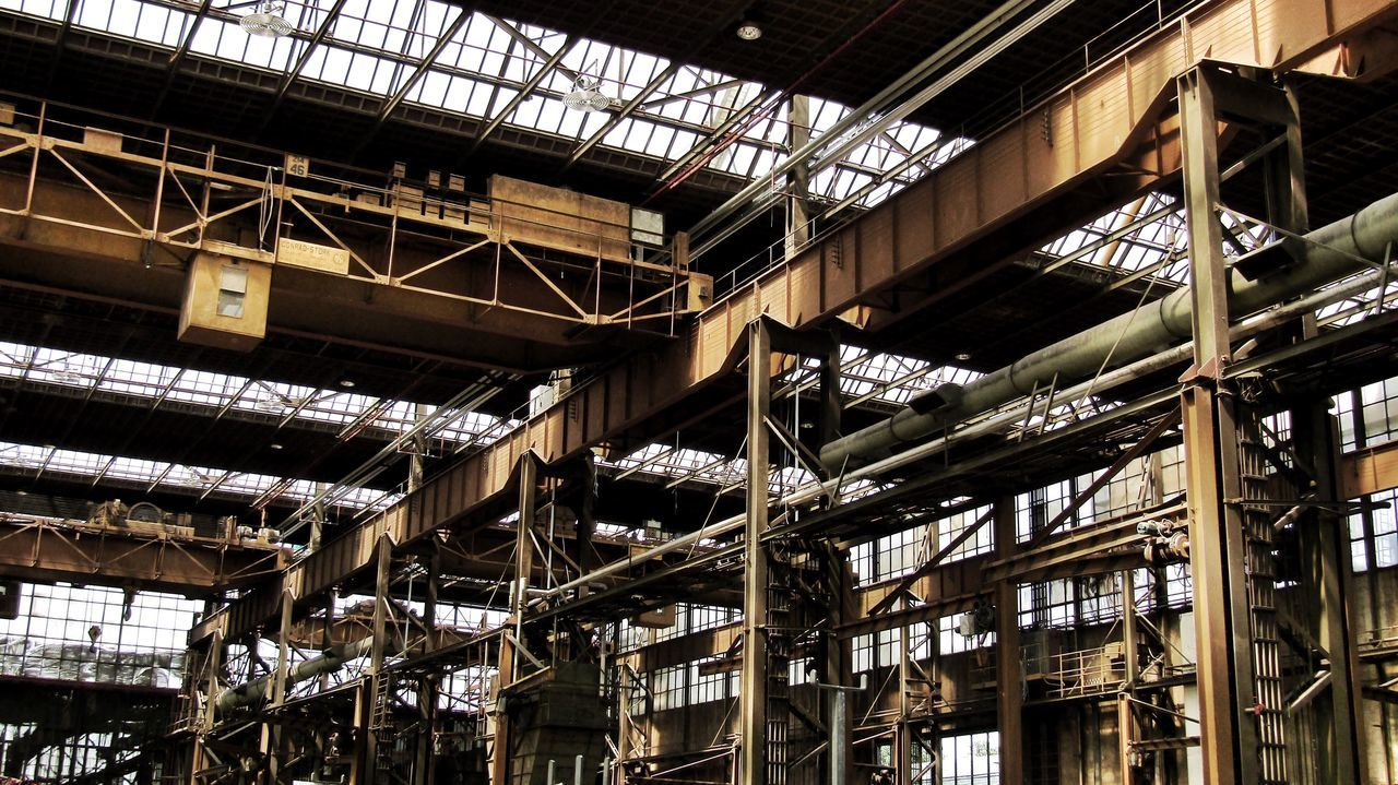 Ceiling Low Angle View Indoors  No People Built Structure Roof Beam Architecture Day Greenhouse Industrial Industrial Landscapes Industrial Photography Metal Industry Metal Factory Factory Building Eye4photography  Eyemphotography Urban Architecture Abandoned