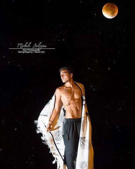 Moon Starlightagency Starlightagencyitalia Michelebologna Michelebolognaphotographer Pic Picoftheday Male Malemodel  Model Modello Moda Spettacolo Arte Artefotografica @_c.a_r_l_o.s_