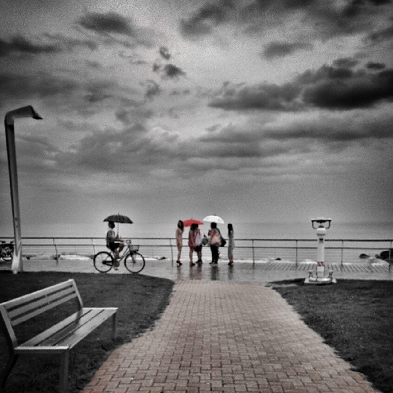 When It's Raining Taking Photos Streetphotography My Edit