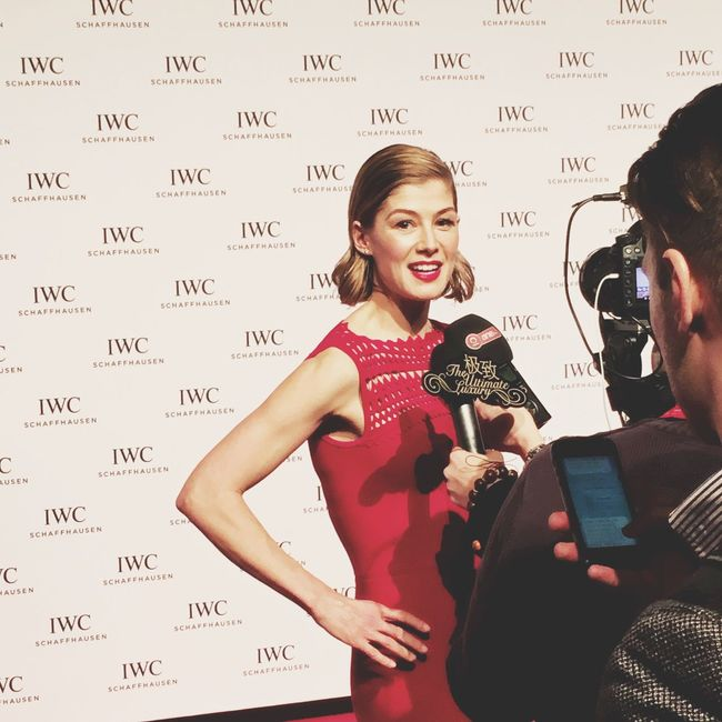 Look at me. RosamundPike Actress Hollywood