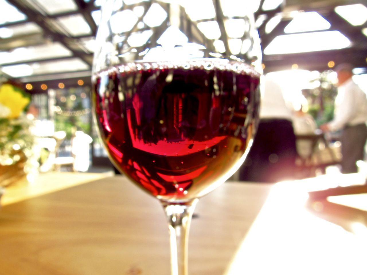 wineglass, wine, red wine, alcohol, red, table, food and drink, refreshment, drink, close-up, indoors, freshness, no people, day