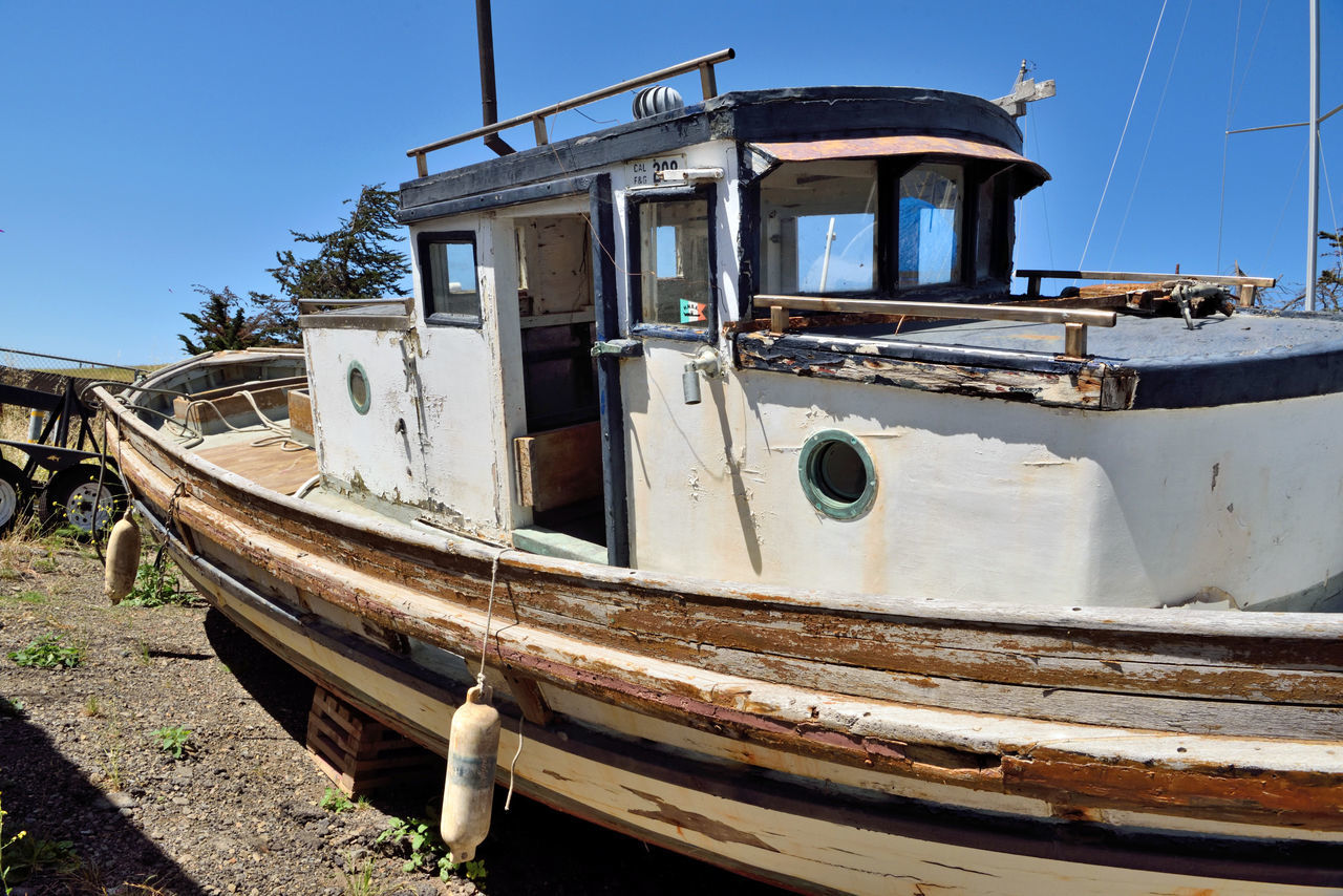 Rust Bucket @ Berkeley Marine Center 4 Antique Trawler Waiting For Restoration Boatyard Fishing Trawler Boats Boat Repairs And Restoration Not Quite Ready For Water Custom Yacht Builder Marina OCSC Sailing School