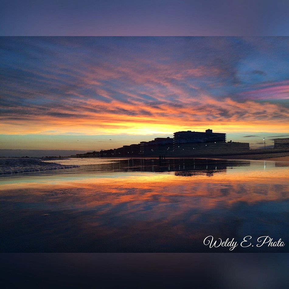 Sunset At Long Beach, NY Splendid_reflections EyeEm Best Shots EyeEm Sunset Visualmagic Sky Collection Beautiful Sky Eyem Best Shots Nature_collection Popular Photos Sunset_collection