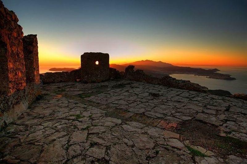 Elba Volterraio Castello Castel Sunset Tramonto Isola Island