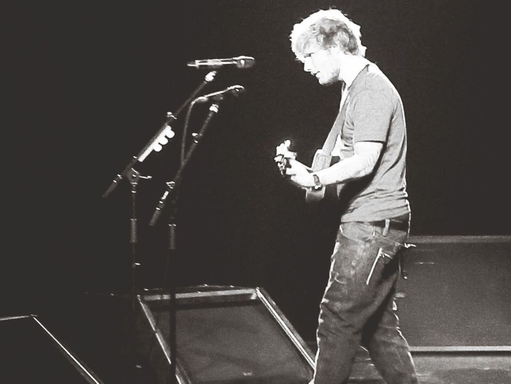 Ed Sheeran RED Tour Check This Out Taking Photos
