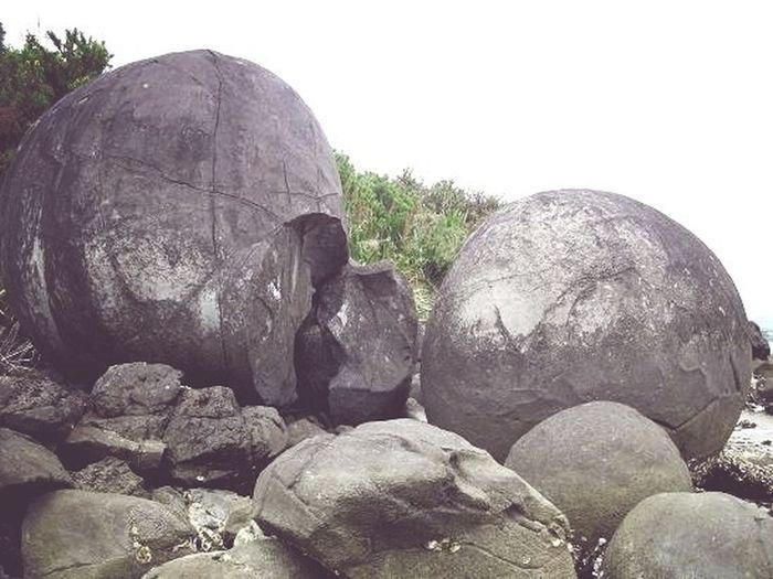 Balls As Big As Boulders - Manifes