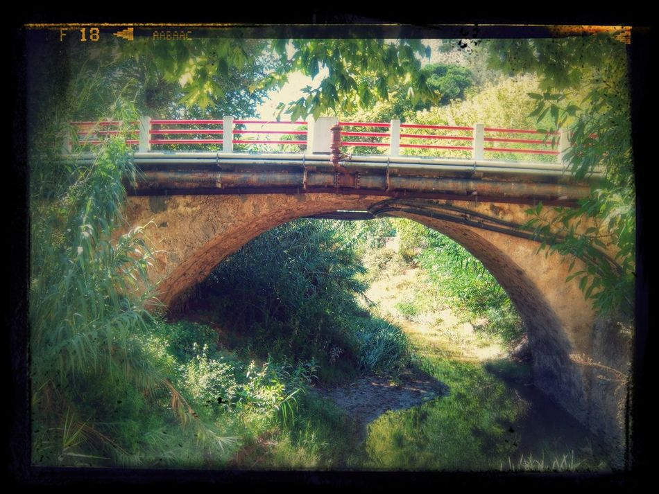 Ponte sobre o Rio Alcabrichel na Maceira