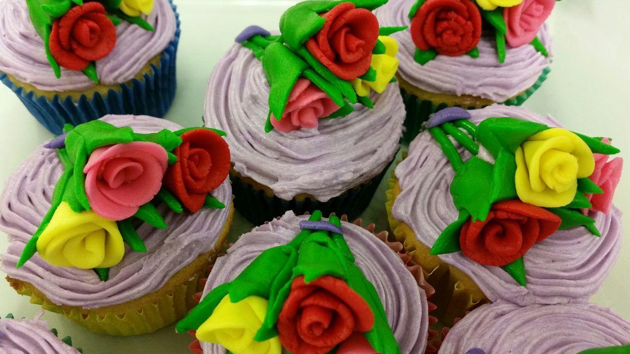 Beautiful stock photos of geburtstagskuchen, Cupcake, Dessert, Floral Pattern, Food