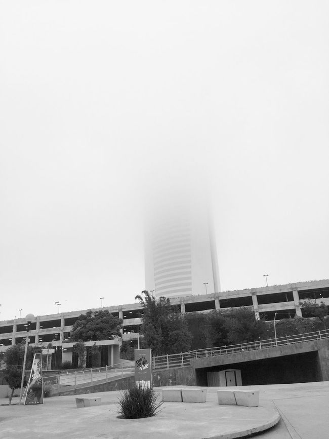 The Architect - 2016 EyeEm Awards thats why I Love cloudy days. OpenEdit Popular Photos Cloudy Day Architecture Building Cloudy Mist Misty Misty Morning Walking Around IPhoneography Hanging Out Blackandwhite Black And White Black & White Monochrome Photography