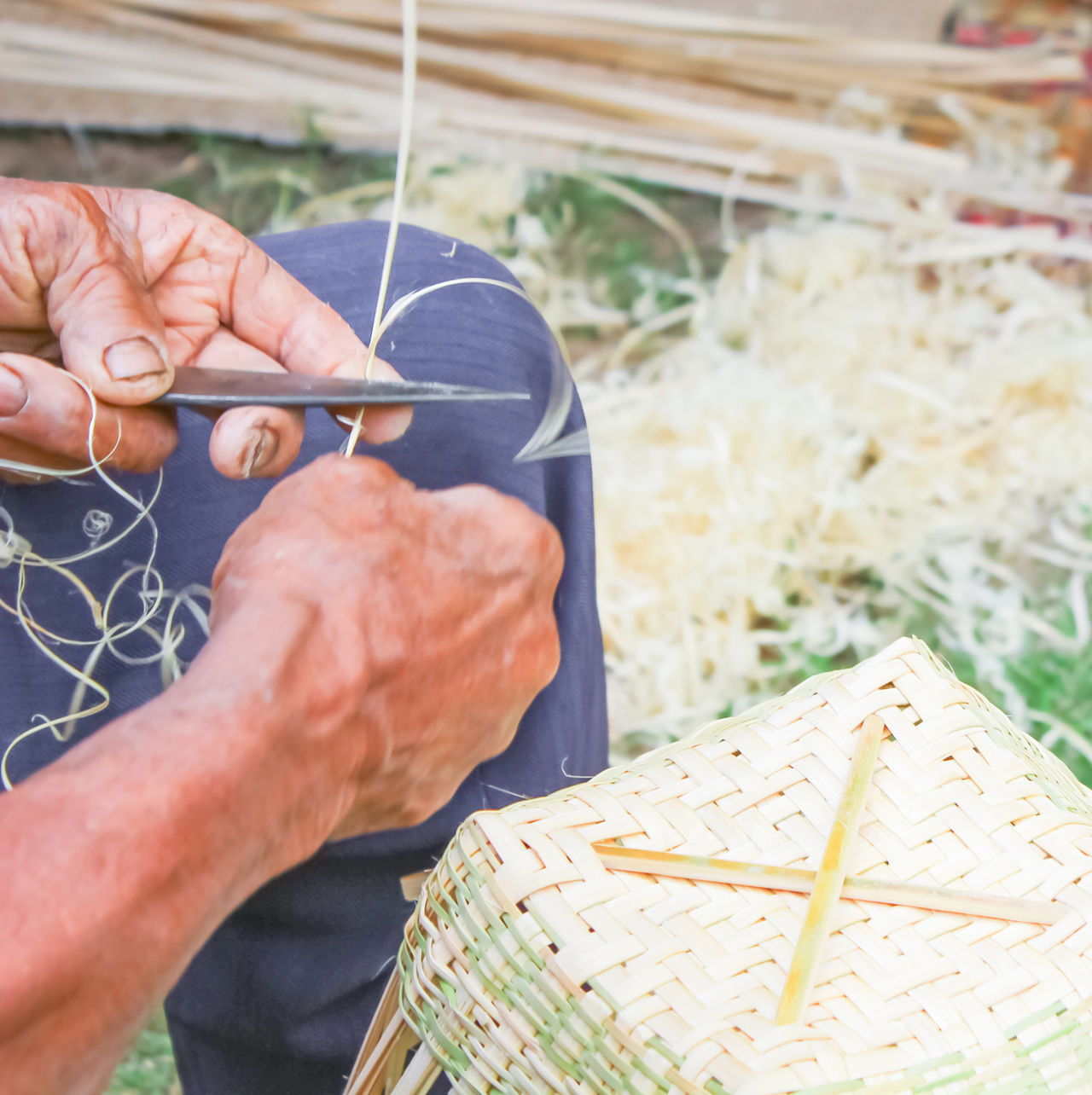 Adult Adults Only Art ArtWork Bamboo Bamboo - Plant Close-up Day Human Body Part Human Hand People People And Places People And Places. People Of EyeEm People Photography Peoplephotography Peoples Thai Thailand Woven Woven Bamboo Woven Basket Woven Baskets Woven Pattern Wovenhand