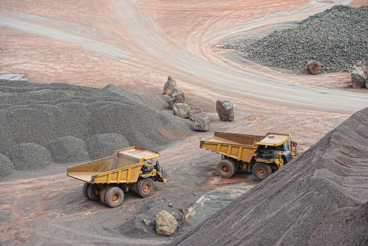 Beautiful stock photos of lkw, Day, Dumper Truck, Field, High Angle View