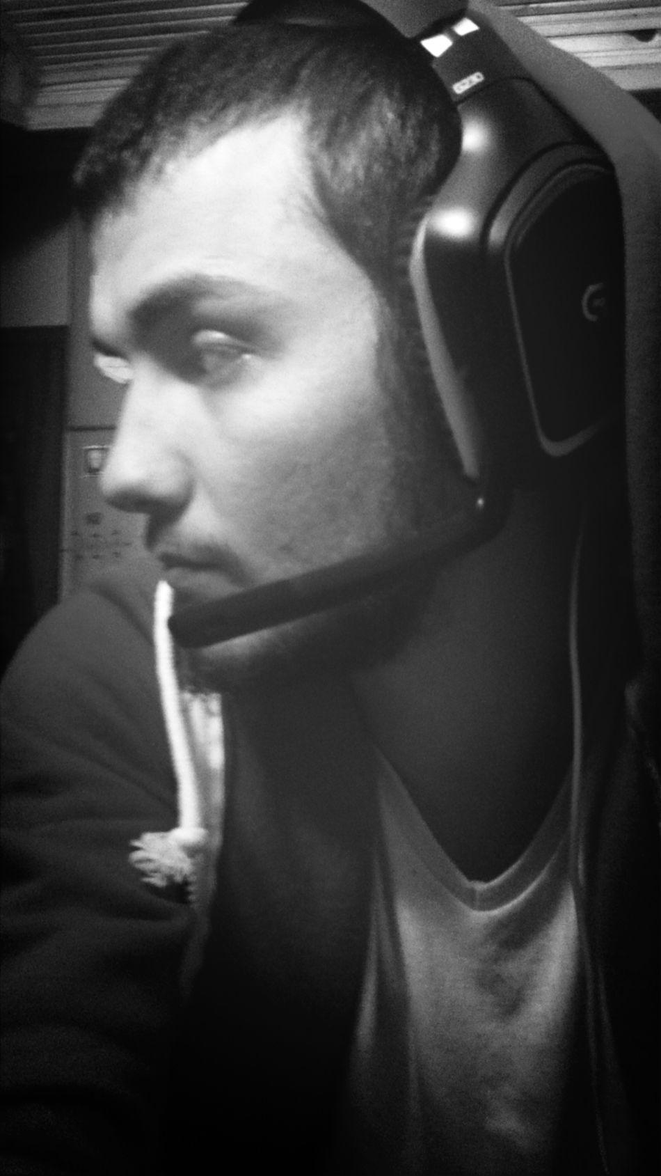 Oyun oynarken rahatsız edildiğimde ben :) Logitech G230 Home Gamer Blackandwhite