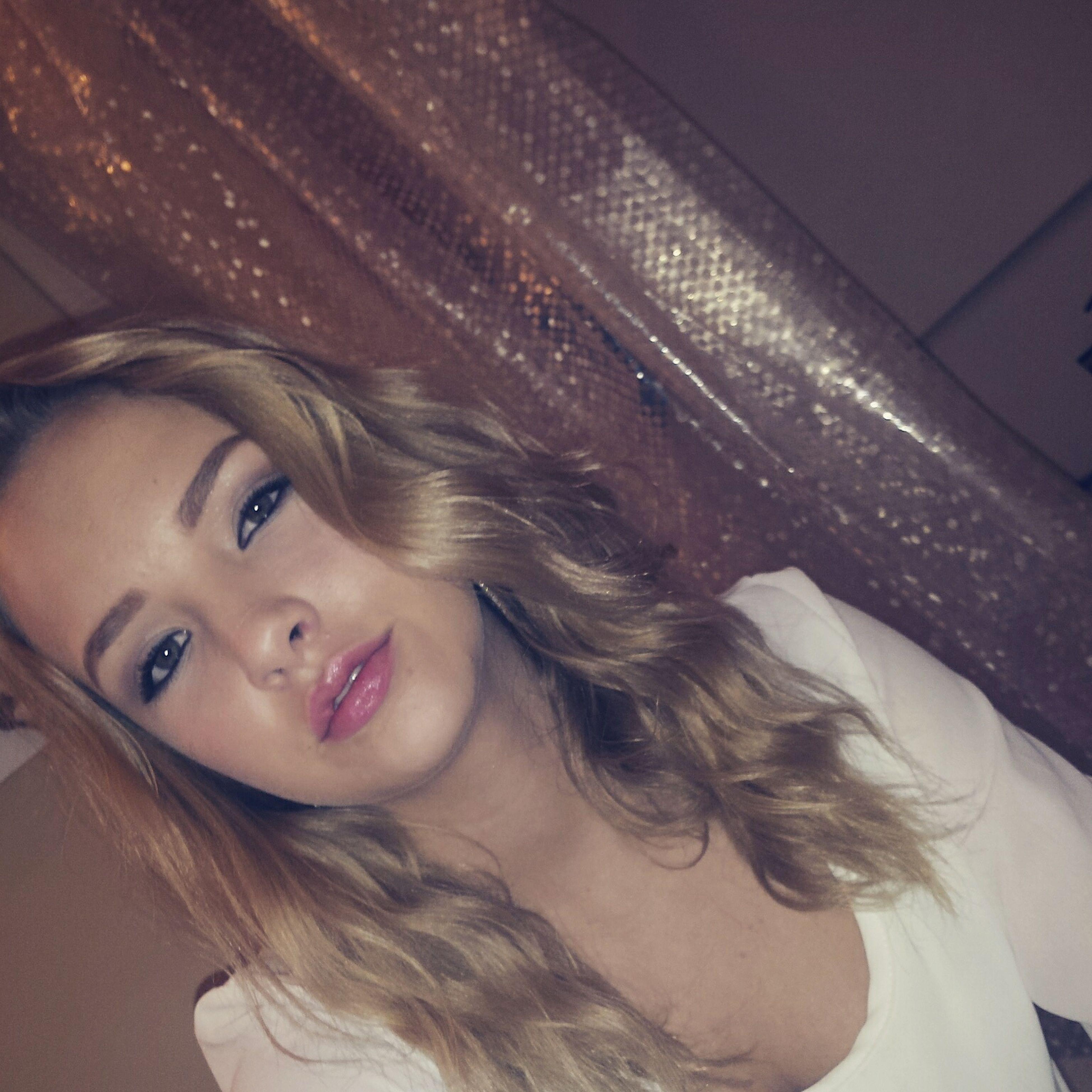 Shimmer Late Night Pretty Girl Pretty Lips(: Makeup