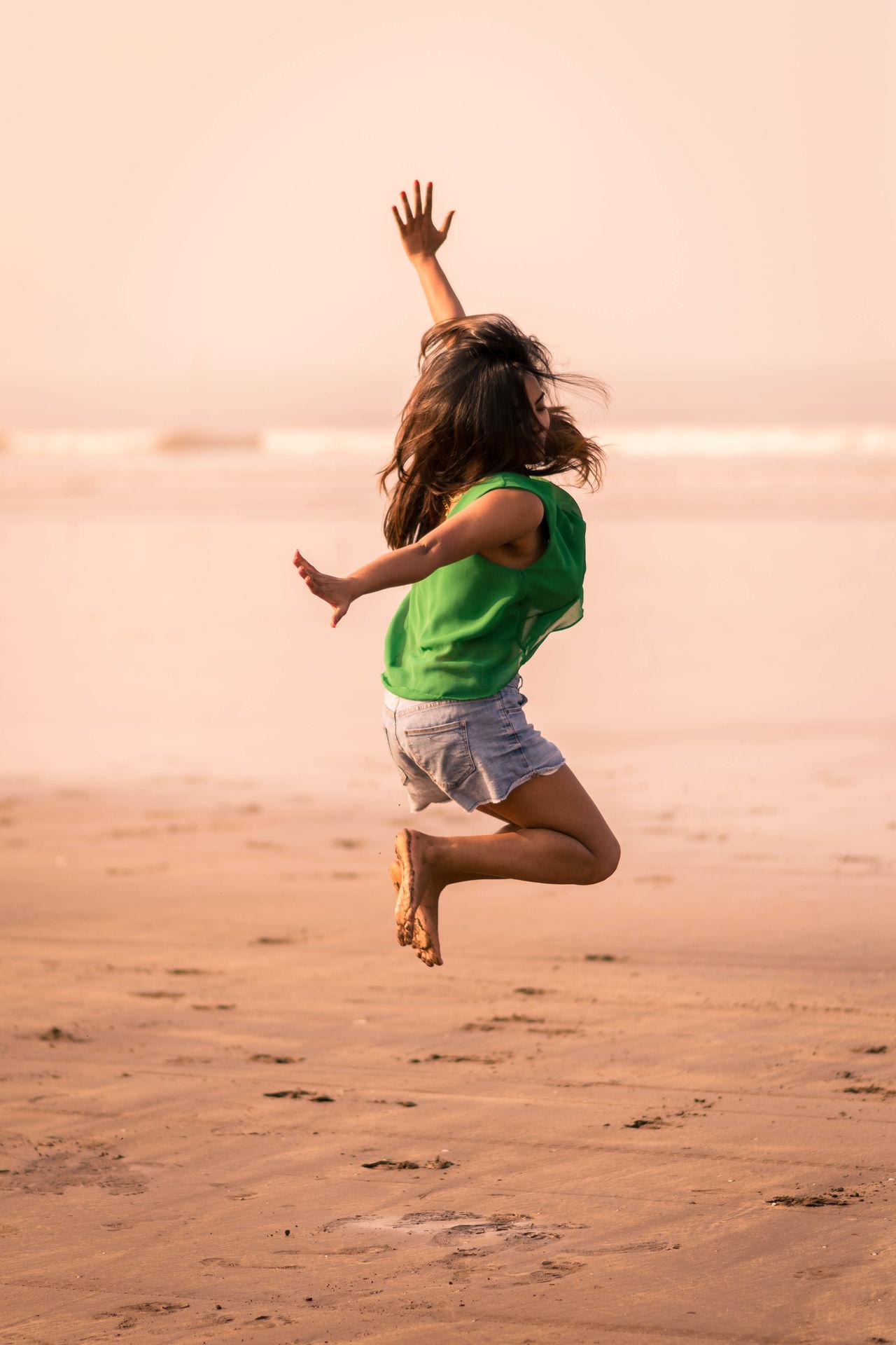 Beautiful stock photos of india,  20-24 Years,  Alībāg,  Barefoot,  Beach