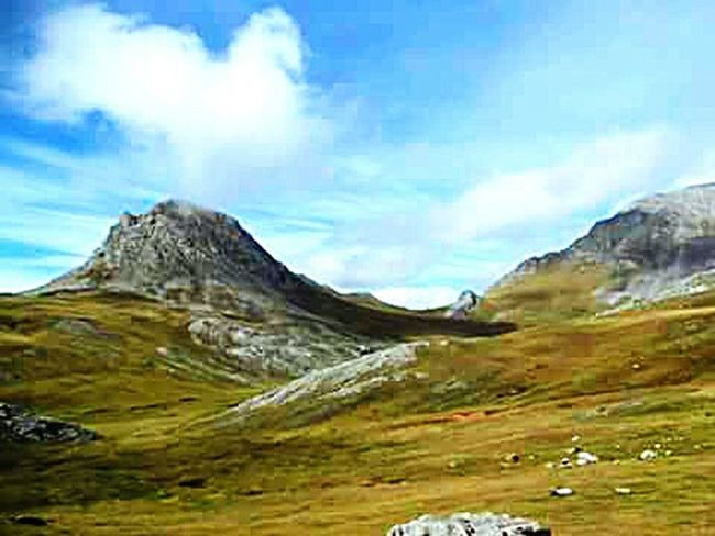 Las Ubiñas Asturias España Mountain Tranquil Scene Beauty In Nature Mountain Range Nature Mountain Peak Physical Geography SPAIN Mountains Pivotal Ideas Nature Macro Photography Belleza Macro_collection Spain♥