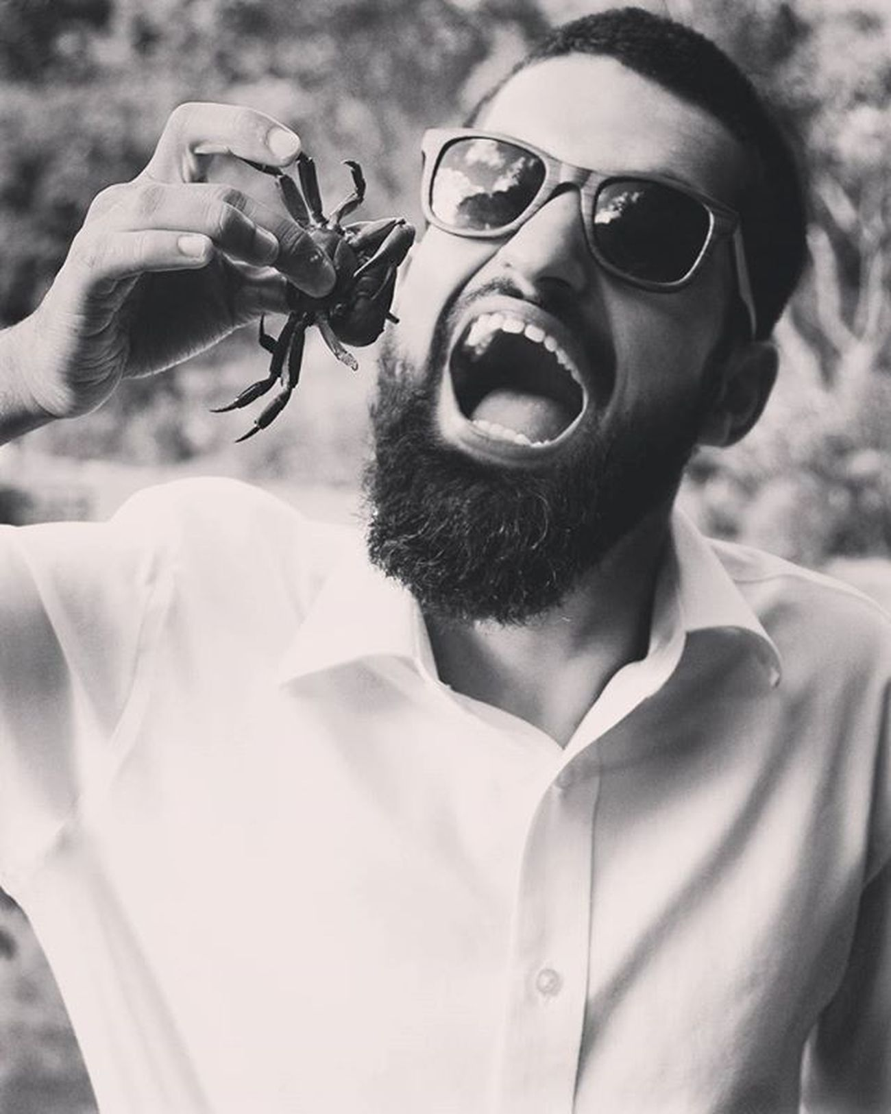 That time.. When my brother decided to eat a wild crab 👌😝 Whataposer Capetownadventures Brotherfun Instalove Instacaptured Blackandwhitephotography Blackandwhiteportrait Crabfest Daring