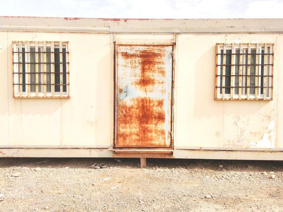Rustic Memories⭐ AprilTripAroundTheWorld EyeEm Best Shots Eyeemlife Riyadh Saudi Arabia Rust Window Life Travel Traveller