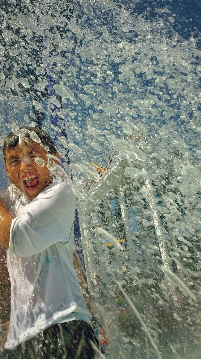 Capture The Moment Splash Water Boy