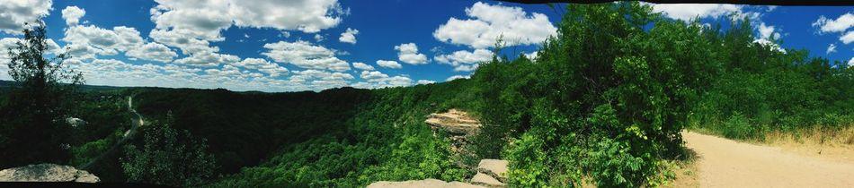 Niargara Escarpment Amazing View Breathtaking Beauitful Day Hiking Roadtrip Hamilton Ontario Waterfalls💦