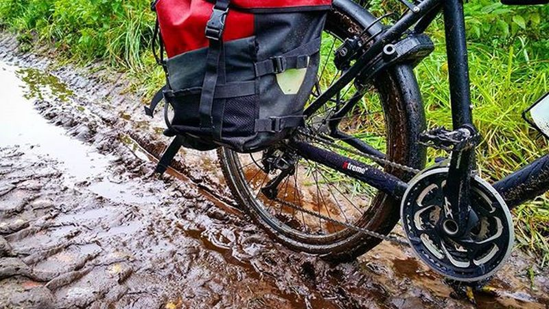 I like it offroad. Even the weather is dirty. It's great fun to be alone outside with a bike. 😈 Picoftheday Nofilter Mud Instamood Offroad Biketouring Cycling Fahrrad Fahrradfahren Sport Outdoor 😚 Rosebikes Testfahrt Instabike Igers Fahrradtour Fahrradfahren Autumn Dirty Activiapro