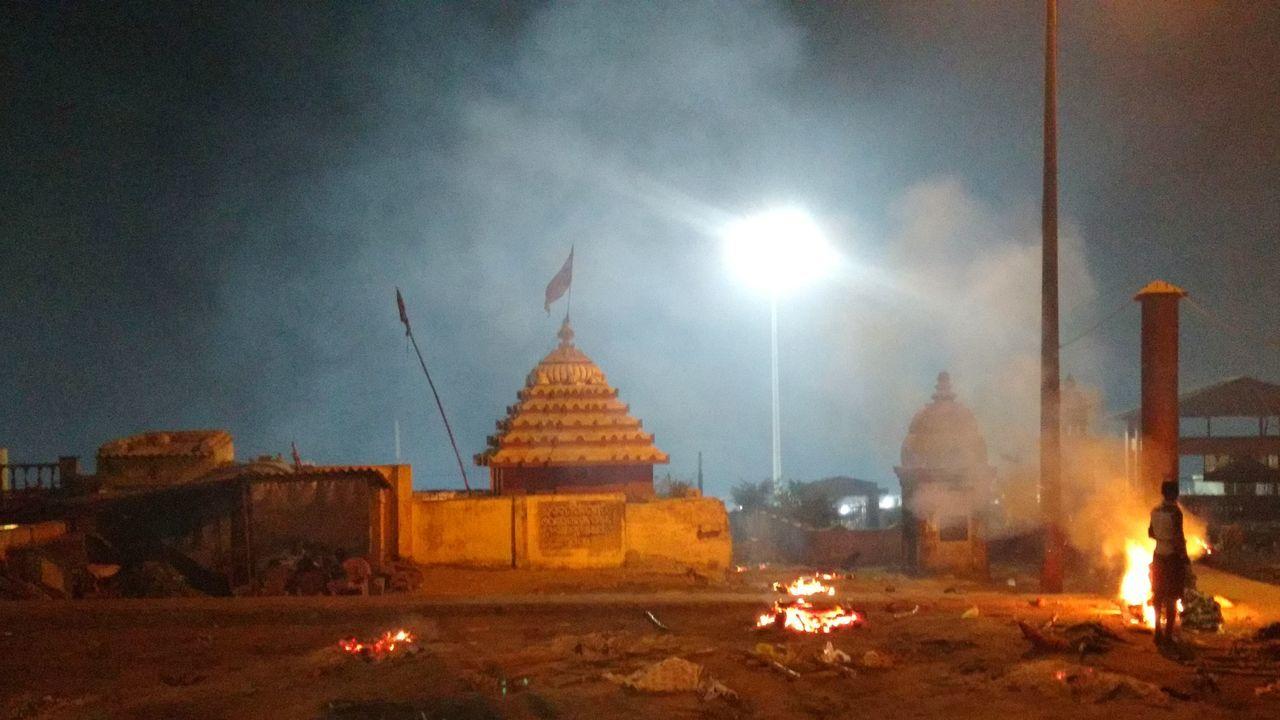 A Hindu Temple Crematorium in Puri Swargadwar Iskon Spirituality Jagannathpuri Indiapictures Place Of Worship Illuminated Sky Instagood Indiaclicks Orrisatourism Orrisa EyeEm Best Shots EyeEm Vision Eyeemphotography
