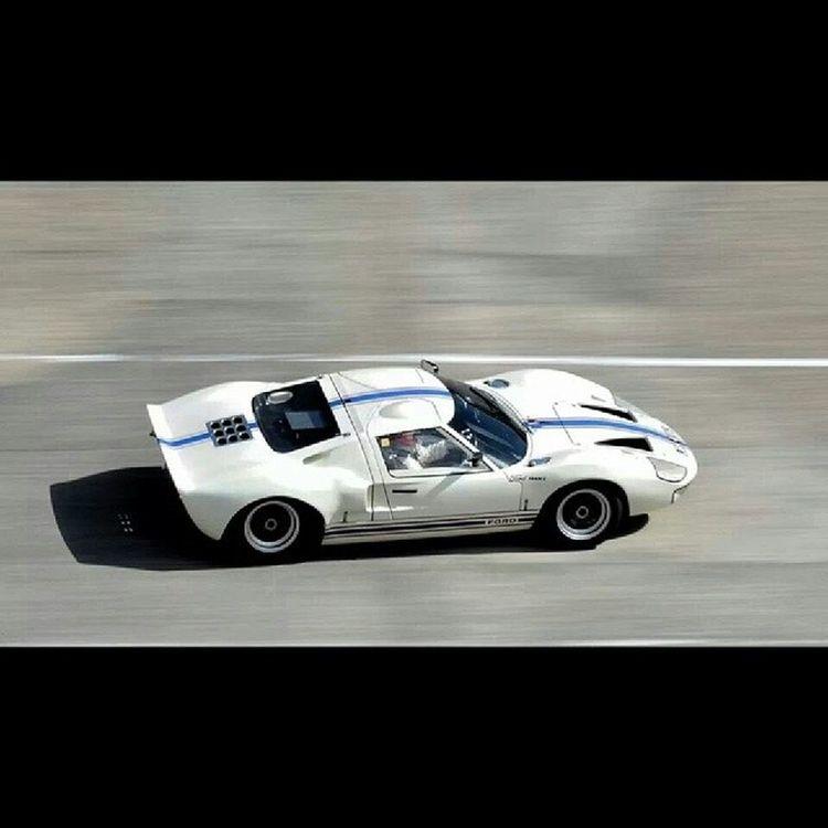 Montlhéry France Ile_de_france Circuit circuit_automobile race France Ford ford ford_gt40 gt40