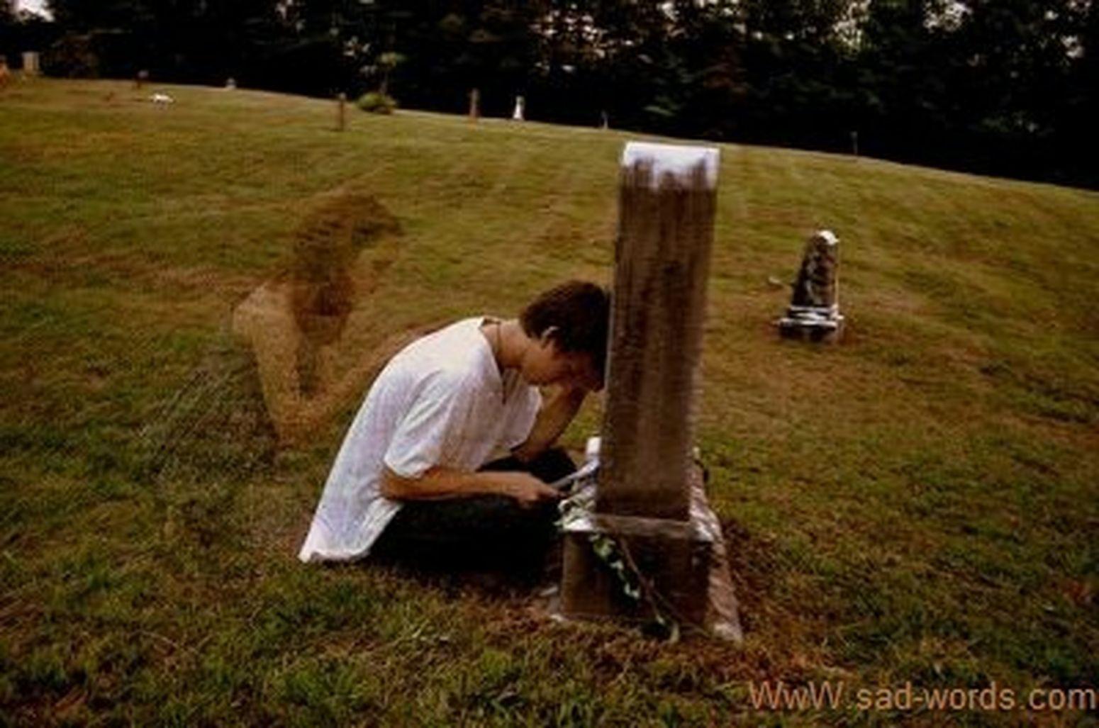 Relaxing Sad :( Dead Leaves Aşk♥ I Don't Realy Know How To Use This Acılar ölüm