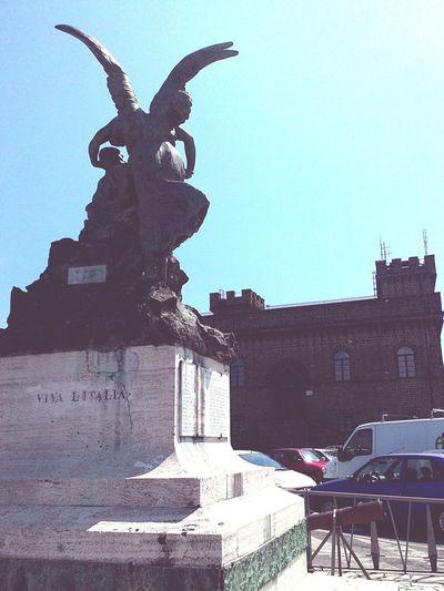 Viva l'Italia :-) Walking Around Relaxing Enjoying The Sun Taking Photos Urban Landscape Italy❤️ Viva L'Italia
