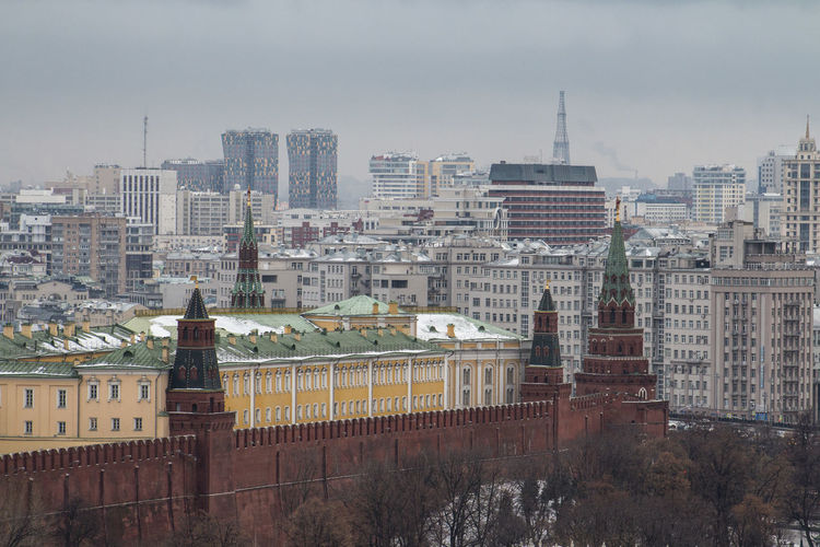 Moscow Kremlin and surrounding building... Ampir City City Life Cityscape Cityscapes Classicism Constructivism Housing Estate Italian Architecture Modernism Moscow Kremlin Red Brick Rooftop Urban Geometry Urban Landscape Wintersky президентскиесостязания Шаболовская ба