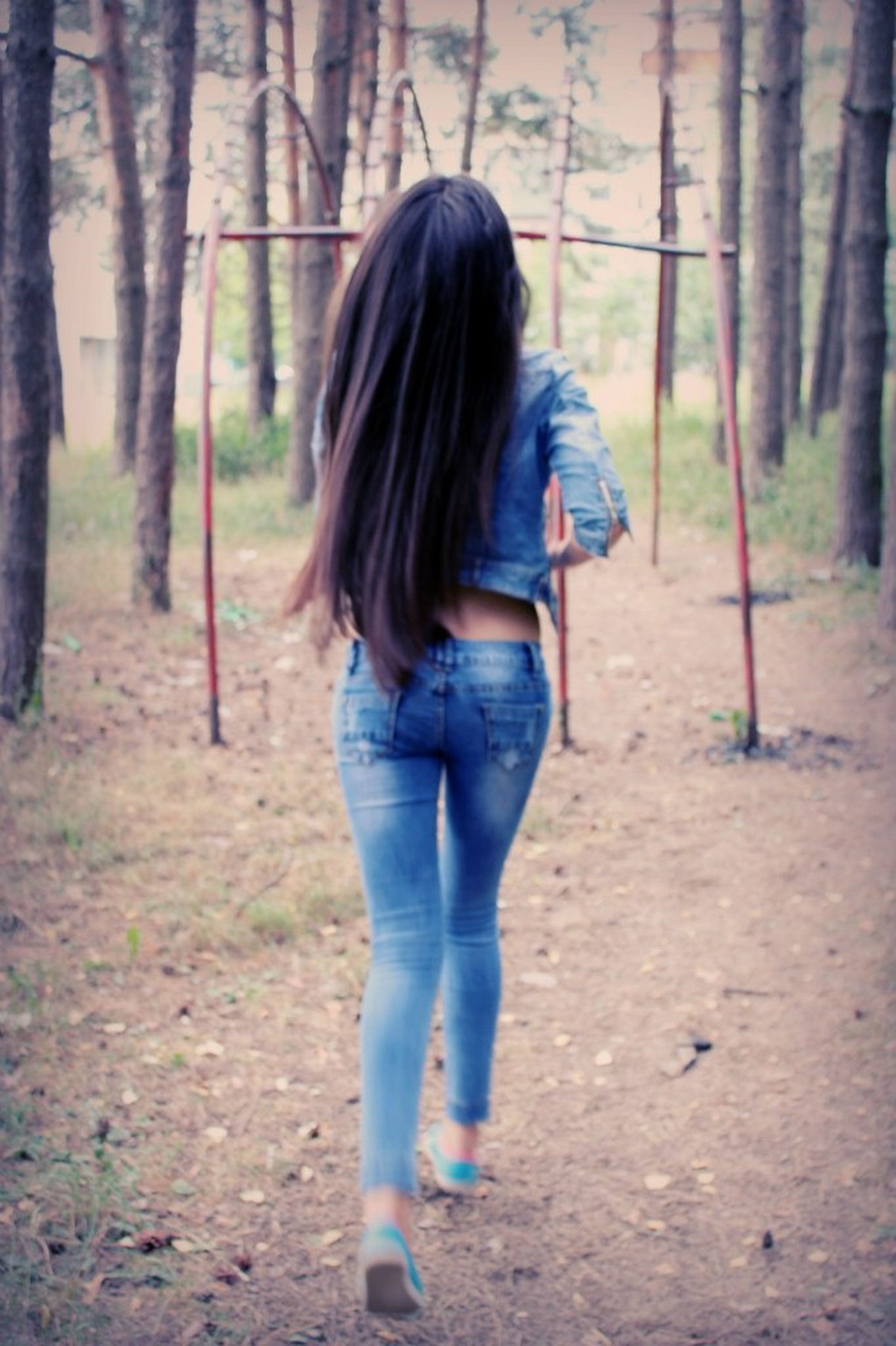 lifestyles, leisure activity, long hair, casual clothing, full length, girls, person, childhood, standing, young women, rear view, focus on foreground, elementary age, tree, blond hair, three quarter length, young adult, field