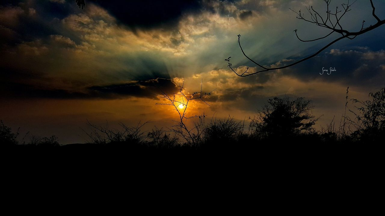 sunset, silhouette, beauty in nature, nature, sky, scenics, tree, tranquil scene, tranquility, no people, sun, cloud - sky, outdoors, landscape, bare tree