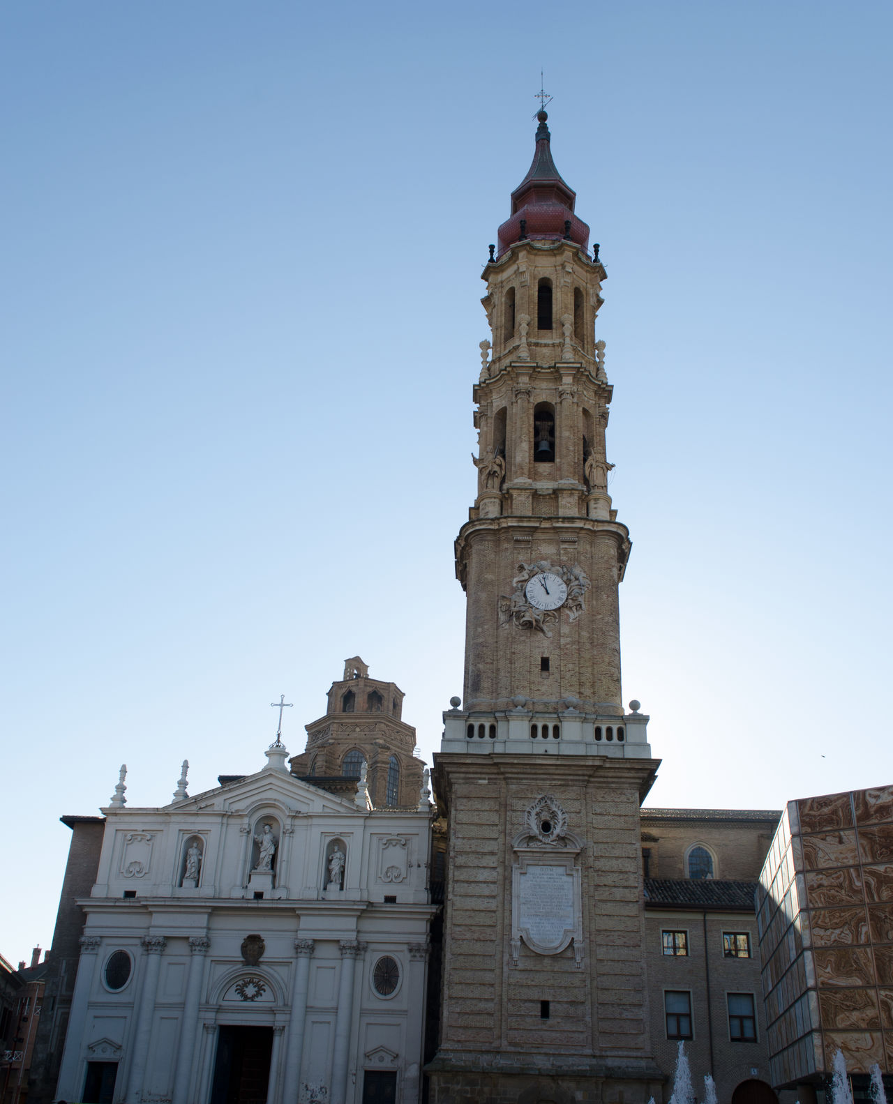 Catedral de la Seo. 2017 Architecture Building Exterior Built Structure Catedral City Clear Sky Clock Tower Day Eddl La Seo No People Outdoors Religion Sky Travel Destinations Zaragoza