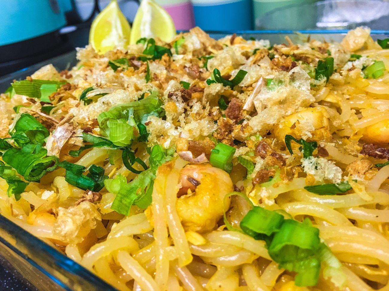 Dinner Filipinodish Pancitpalabok Homemade Homecooking Noodles Tgif Prawns Flaked Mackerel Friedgarlic Porkcrackling Springonions Lemon Yummy Iphonephotography