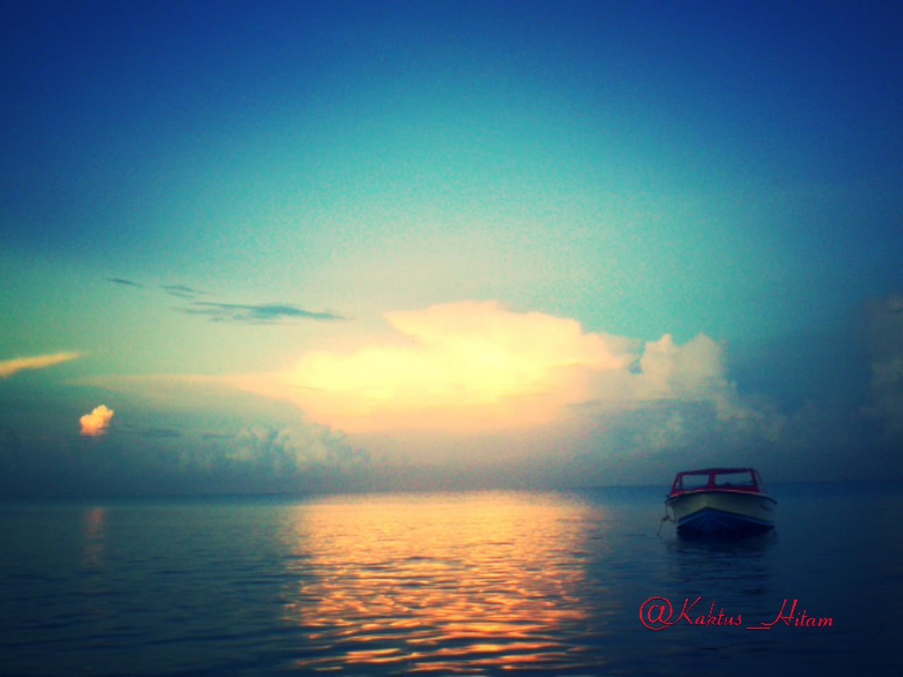 sky, sea, scenics, cloud - sky, water, transportation, no people, nature, tranquility, beauty in nature, outdoors, nautical vessel, sunset, vacations, horizon over water, day