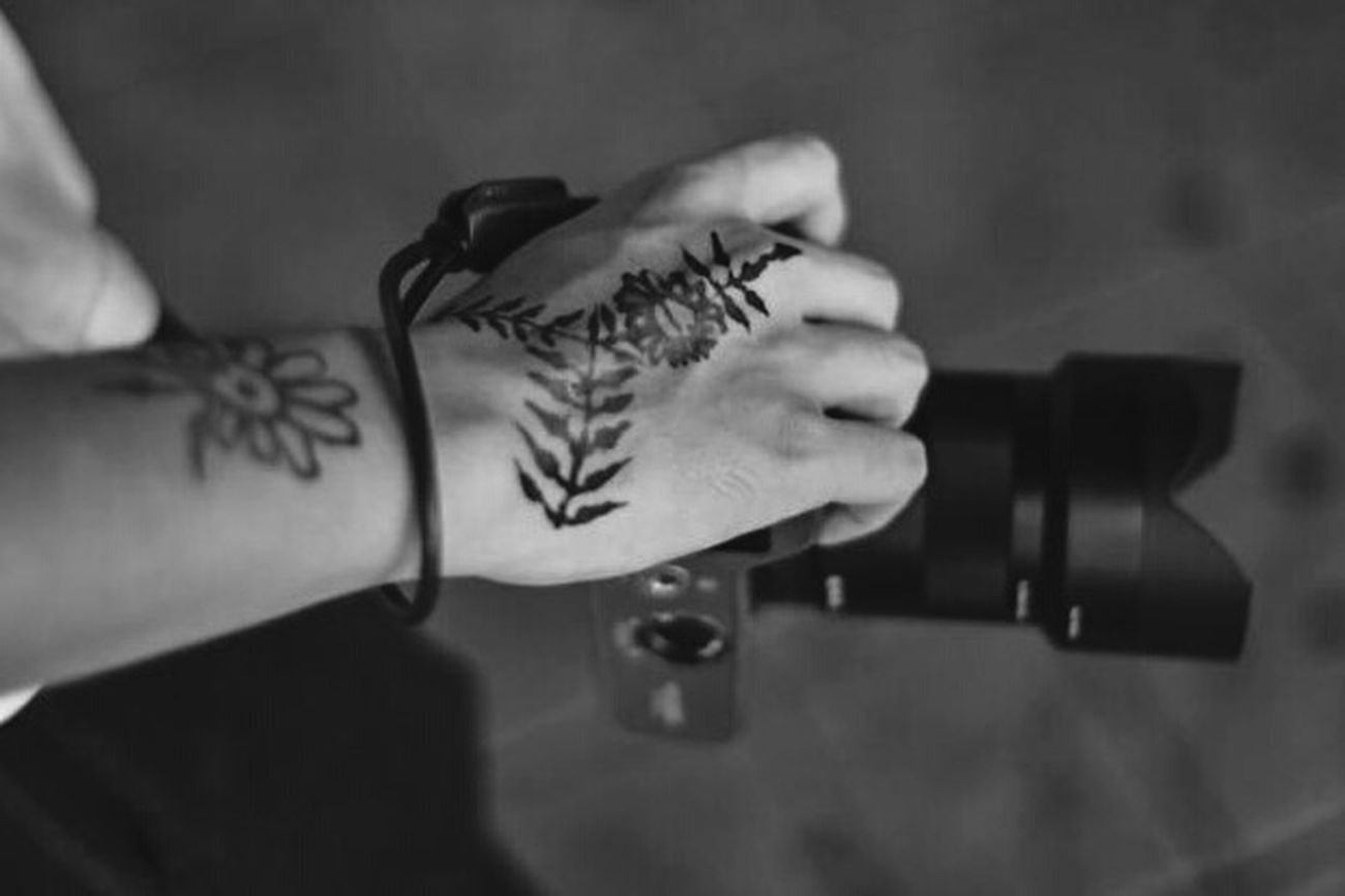 Quite Time Streetphotography City Street Tattoo Tattoos Henna Henna Tattoo Henna Tattoo ❤ Henna Design Street Photography Street Fashion SONY A7ii Myself henna by my dear girlfriend💚💛💜💗