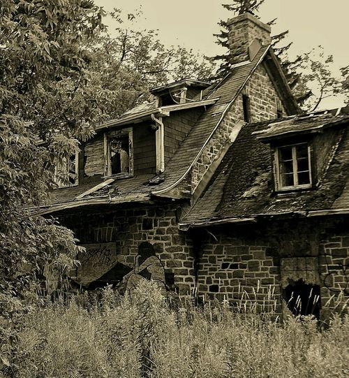 Abandoned Places Abandoned Abandoned House Creepy House Black & White Monochrome Beauty Of Decay Derelict Lost Places EyeEm_abandonment
