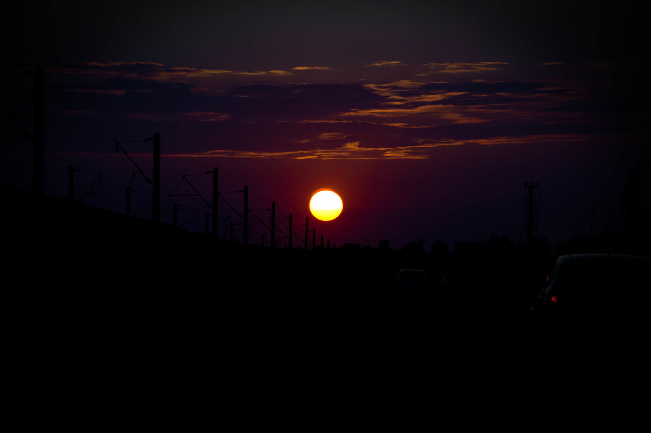 sunset, sun, beauty in nature, silhouette, sky, nature, scenics, no people, tranquility, outdoors, day