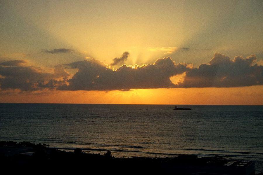 Sea Sunset Scenics Horizon Over Water Beauty In Nature Sky Water Tranquility Nature Tranquil Scene Sun Idyllic No People Outdoors Cloud - Sky Day Fujifilm Fujifilm_xseries Xe2s Tour Tourism Okinawa