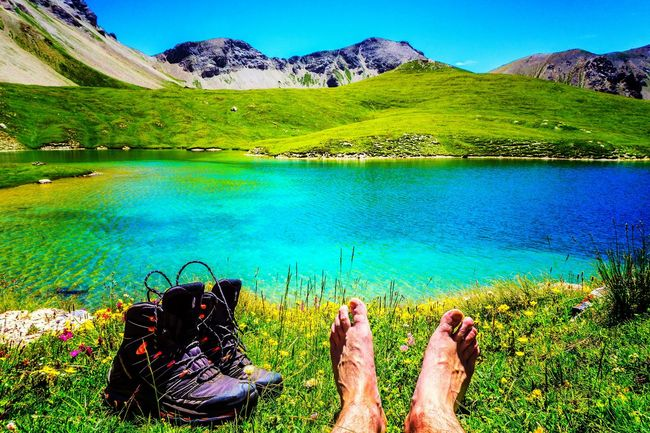 Colour Of Life Se dégourdir les arpions... 👣 Enjoying Life Eye4photography  Mountain Trail Landscape_Collection Mountains Summer2016 Adventure Club Hikingadventures The Essence Of Summer French Alps Mountain View Lac Mountain Lake