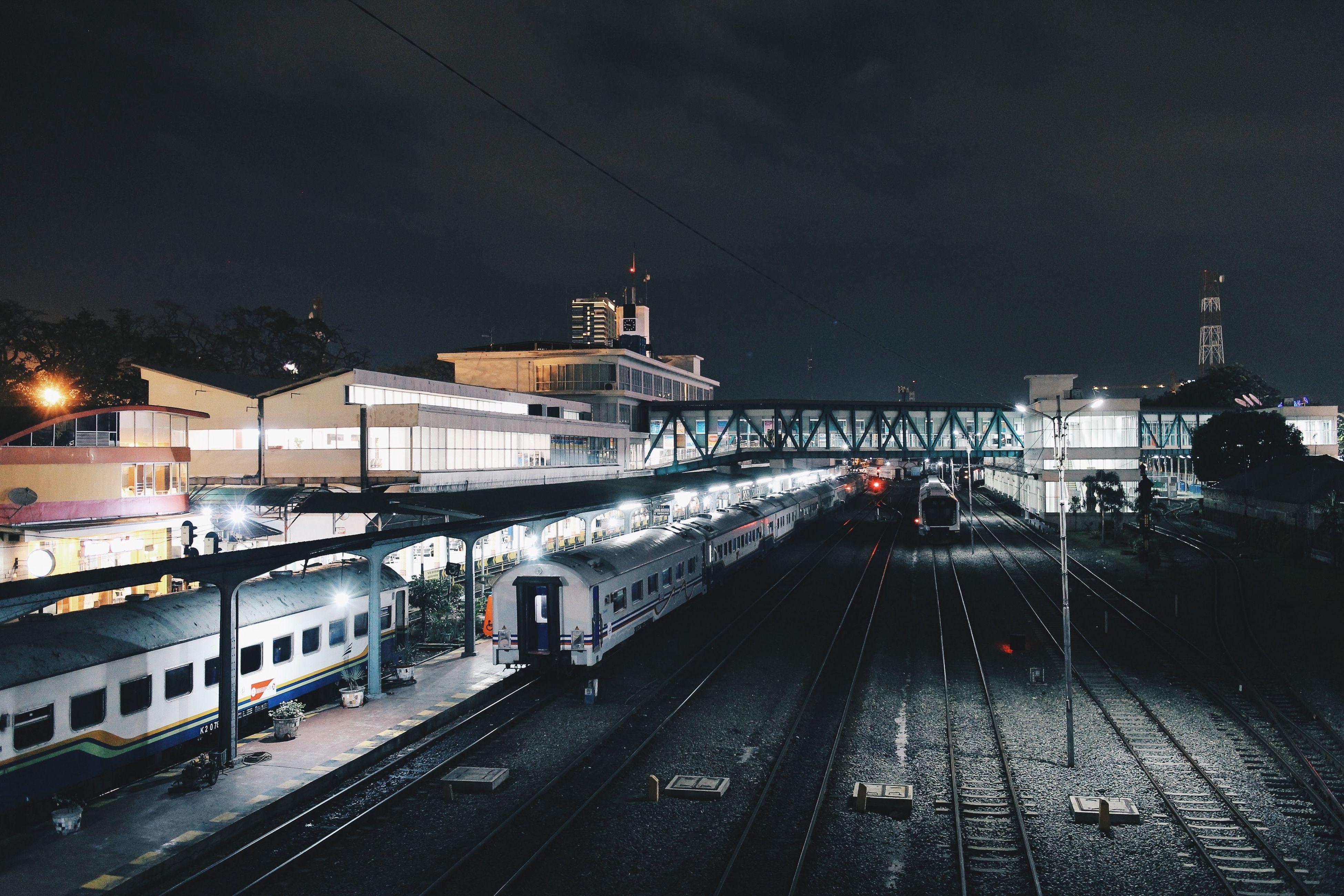 night view railway medan 🚉📷 #eosm #22mm #mirrorless #canon #canon_official #teamcanon #cityview #cityscape #medan #imedan
