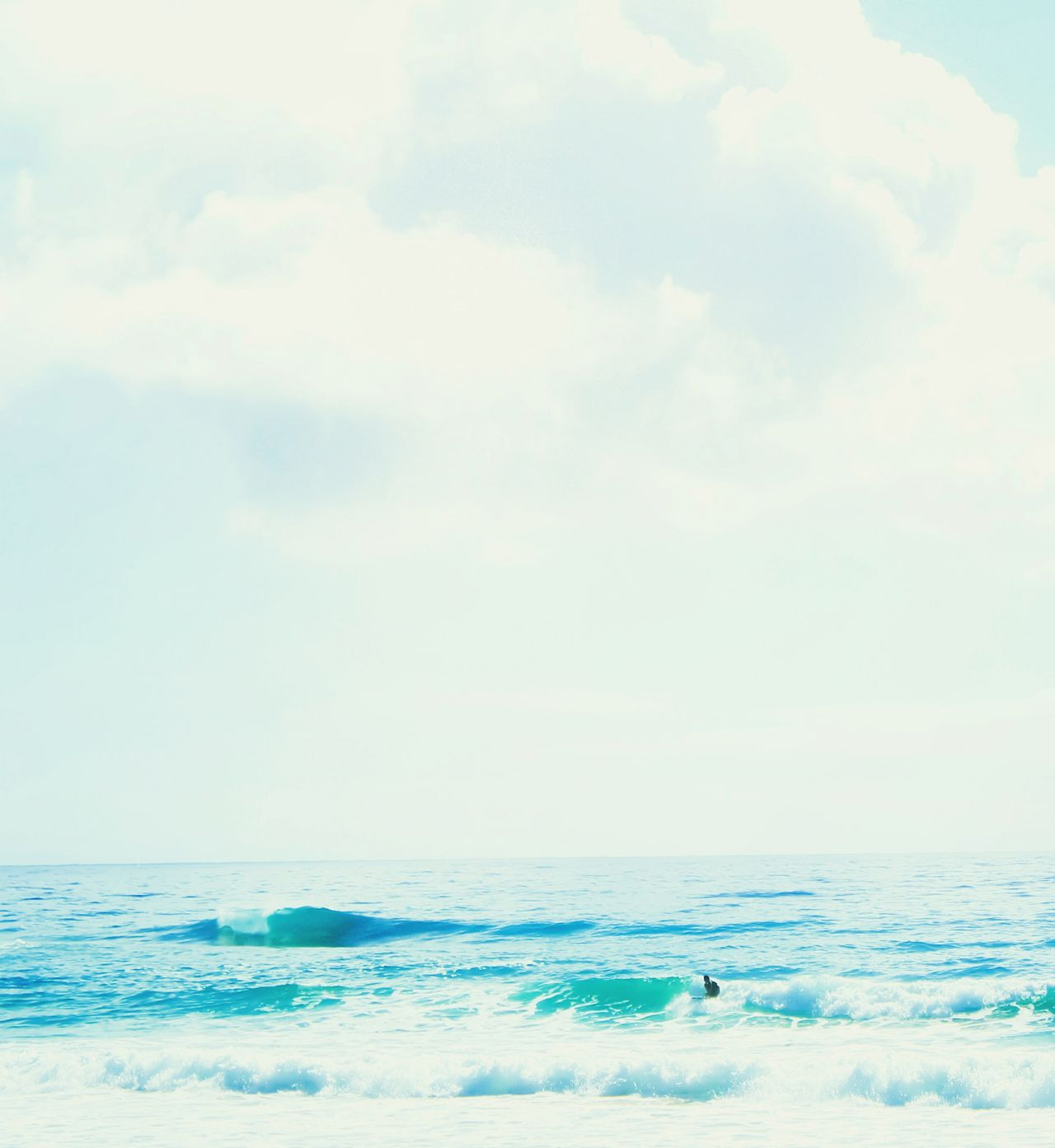 Water Bright Blue Water Hawaii Scenery Surf Surfing Kauai♡ Open Edit Clear Skies Water_collection Beach Beauty Ocean View Scenic View