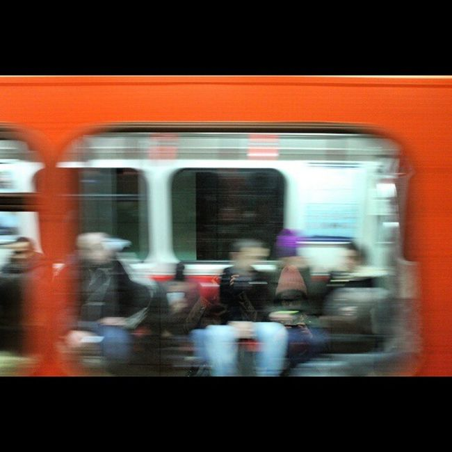 Hayat akıp giderken... Taksim-Şişhane Metrosu Metro Taksim Sishane