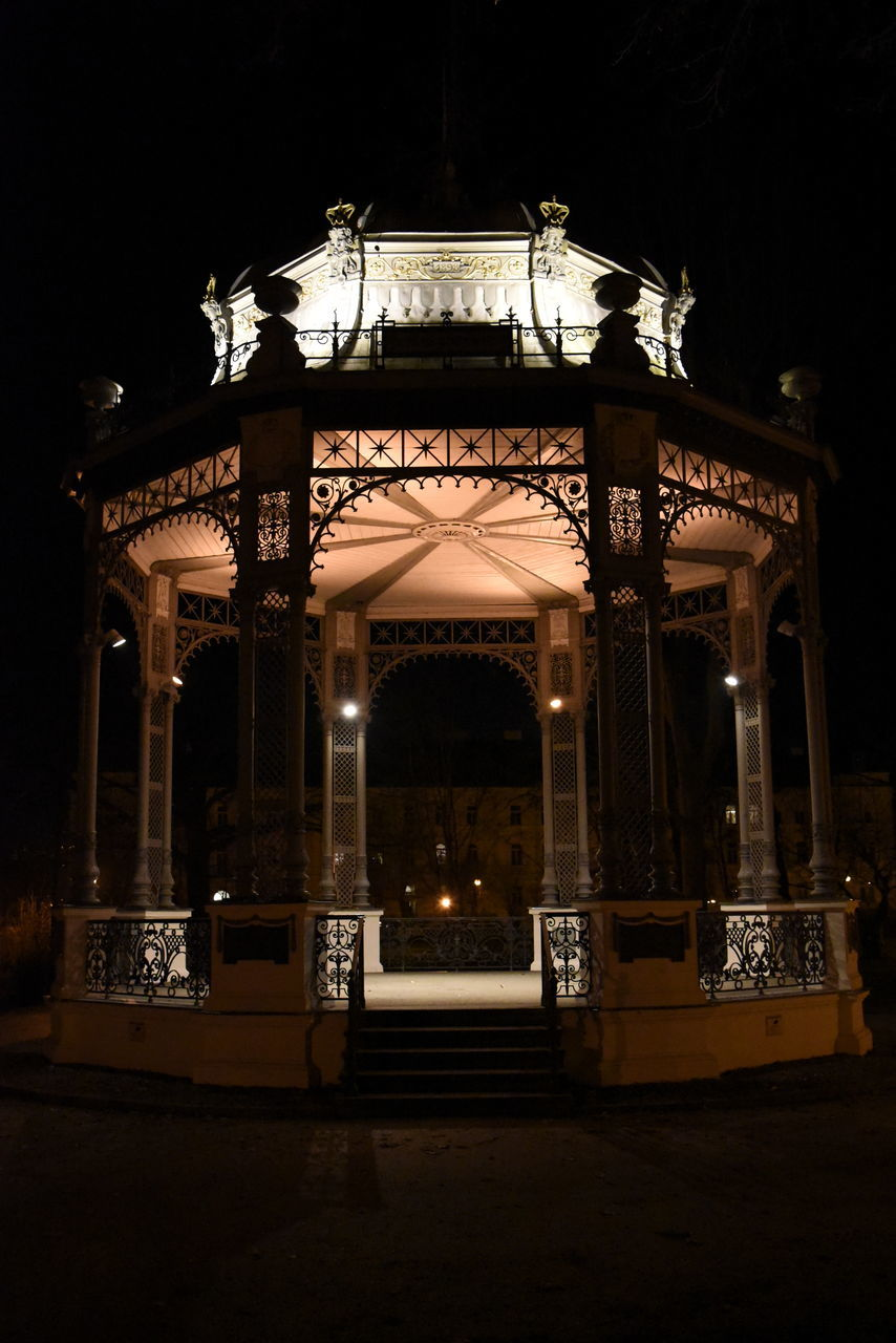 night, illuminated, architecture, built structure, no people, outdoors, sky