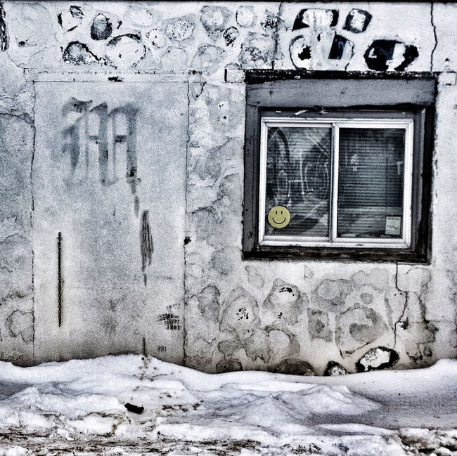 Winter Wall Art Window Door Decay Beauty Of Decay Urbanexploration Grimey Winter Scene Textures And Surfaces Urbex Abandoned Buildings