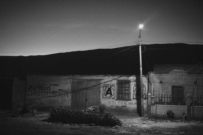 Tacna, Perú Calana Pachía Old House On The Road Blackandwhite Photography Southamerica Monochrome_life Street Night Photography Eyeem Monochrome