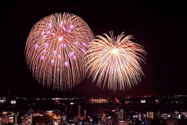 Large fireworks of 420 m diameter Tadaa Fireworks Summer