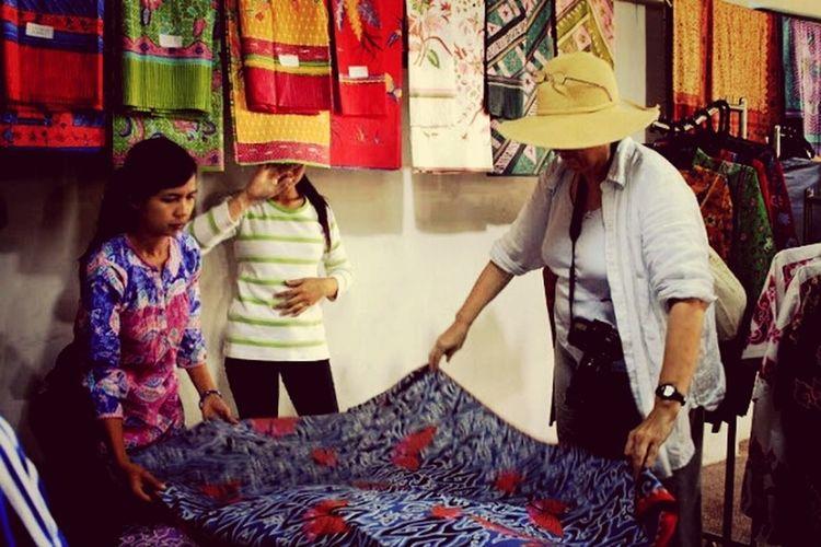 Batik Indonesia Batik batik Artart. batik badrun jaya. batik trusmi, cirebon Cirebon cirebon #trusmi