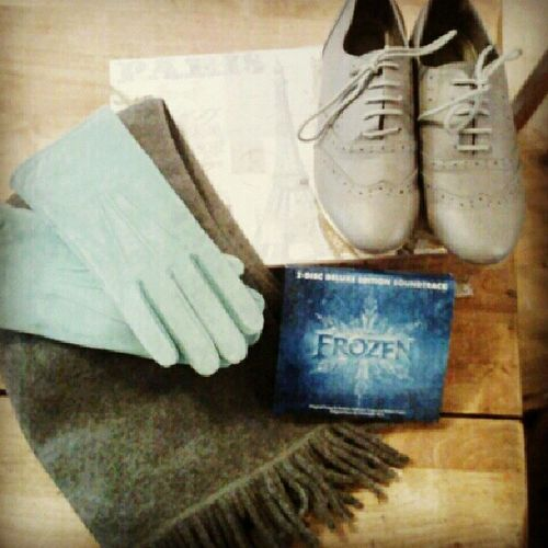 Zoya spoiled me this Christmas!!! So sweet :) Oxfords Scarf Gloves Frozensoundtrack