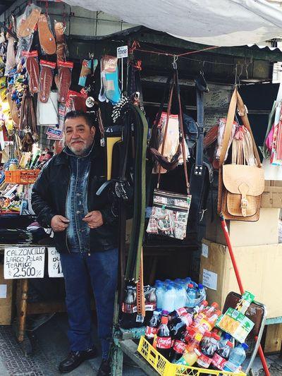 Don José y su pinta del día , orgulloso de su Kiosco en Victoria con San Diego.. Personal History People On The Street Santiago De Chile Kiosco  Taking Photo Capture The Moment Small Business People Of EyeEm Eyeemphoto