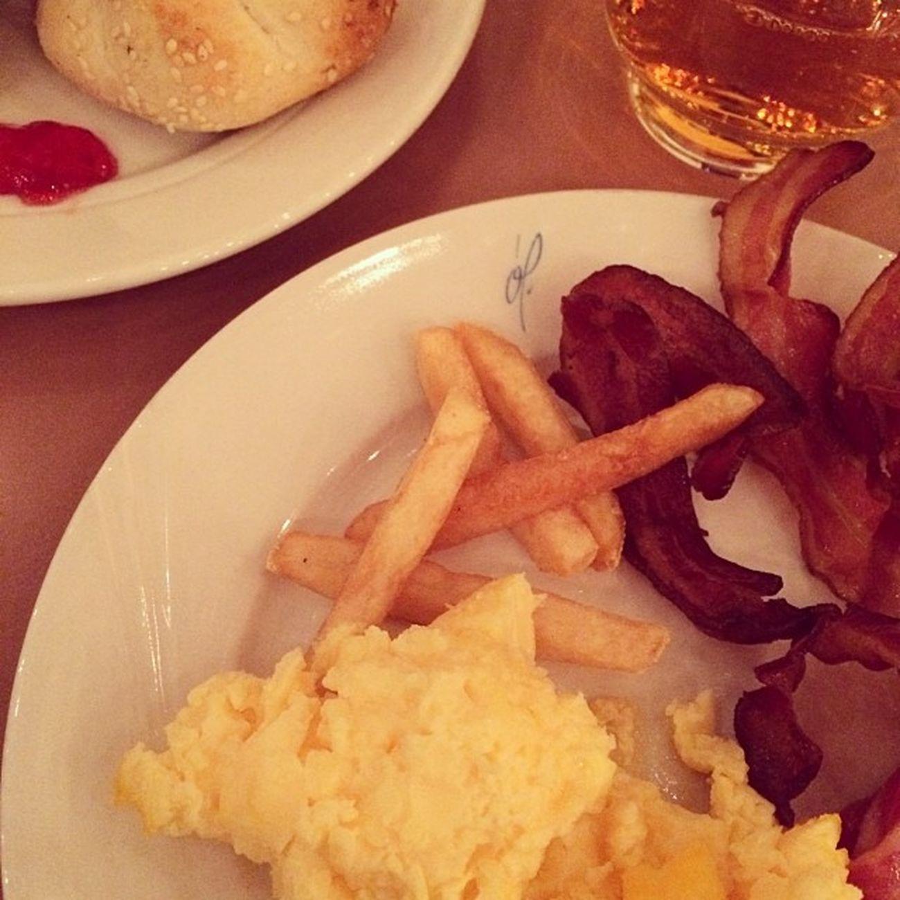 Pommes zum Frühstück! #iceland #reykjavik Food Iceland Reykjavik